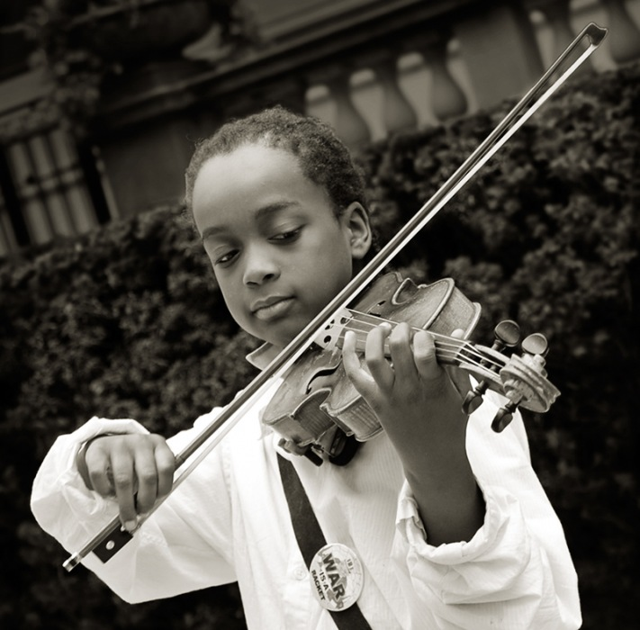 photoblog image The Anti-War Violinist